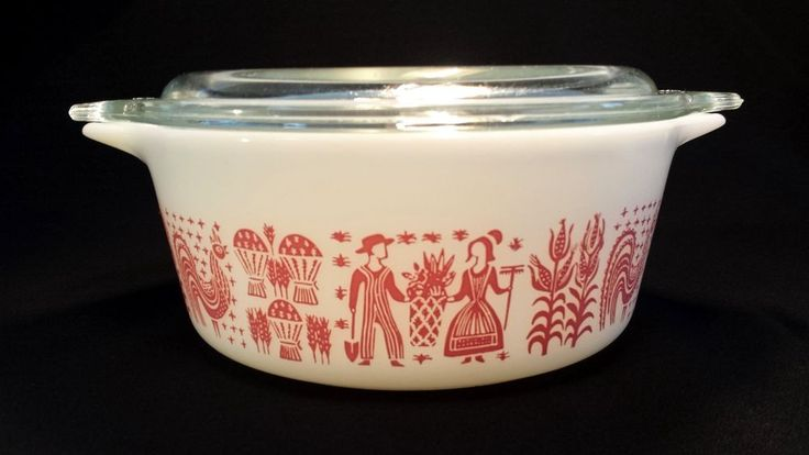 SUPER RARE!  Vintage Pyrex Pink Amish Butterprint Casserole Dish with Lid #472  In Excellent Vintage Condition! Looks to have never been used!
