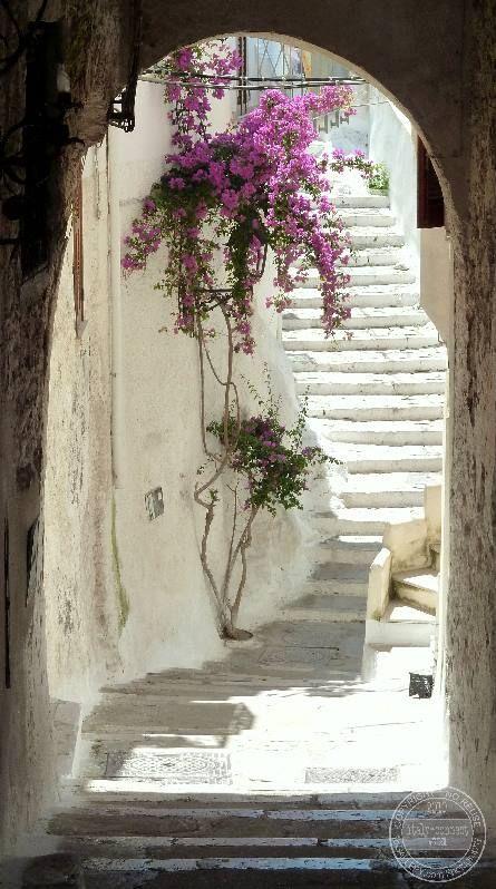 Need an Italian Beach Getaway? Sperlonga, Italy is heavenly!