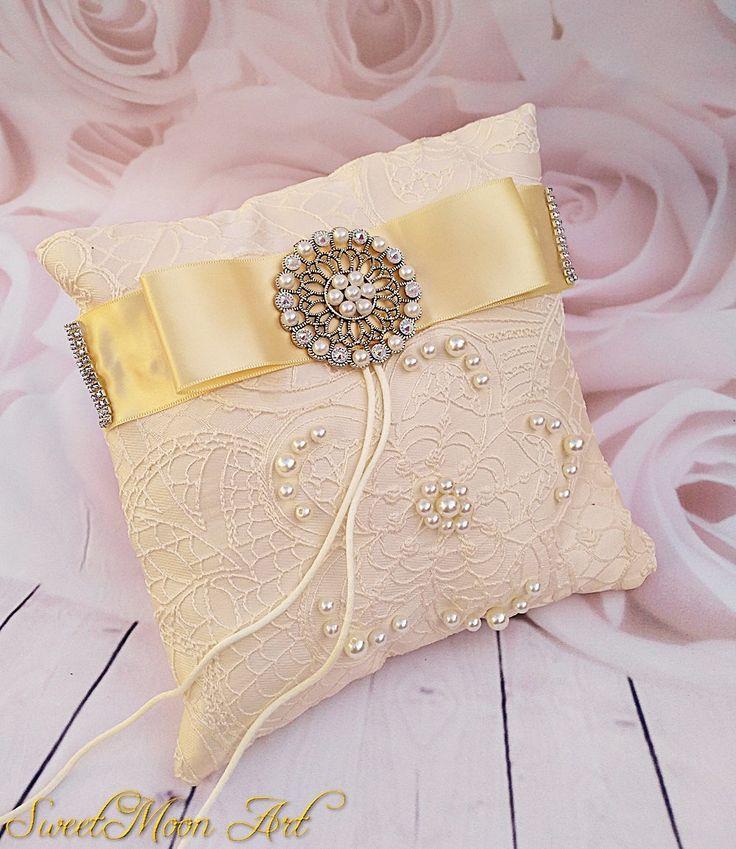 Cojín boda, almohada marfil, regalo boda, almohada anillos, portador anillos, porta alianzas, accesorio novia, ideas  boda, accesorio boda de SweetMoonArt en Etsy