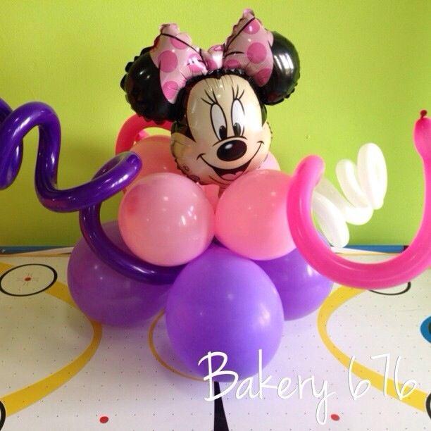 Centro de mesa con globos minnie mouse centerpiece