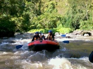 Rafting bali