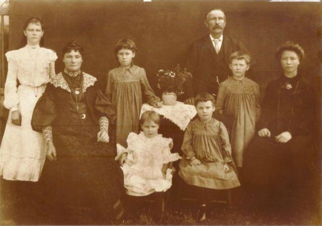 Carl & Anna Petronella Wilson and family