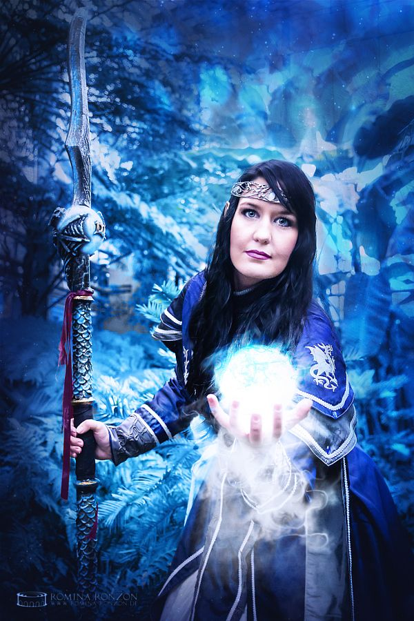 Frostmage by Romina Ronzon  People MagicMageBluePortraitFantasySparkling Facebook: http://ift.tt/2ciO0Ve