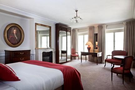 Hotel Mansart Paris: A Four-Star Gem!