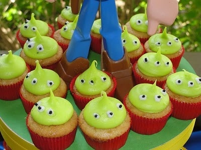 mini cupcakes toy-story-party-ideas