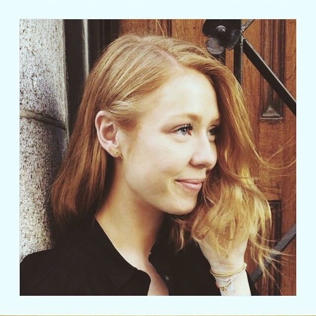 The sweet and beautiful @mariajernov wearing THUNDER earring #Thunder #earring #cool #woman #lulubadulla #mariajernov #contemporary #design #fashion #jewelry #danishdesign #statement @goldmind_dk