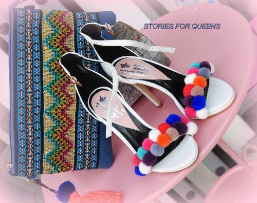 Γυναικεία πέδιλα στολισμένα με πον πον  Για να το βρείτε επισκεφτείτε το παρακάτω σύνδεσμο: http://handmadecollectionqueens.com/γυναικεια-πεδιλα-στολισμενα-με-πον-πον  #handmade #fashion #sandals #highheel #footwear #women #storiesforqueens #χειροποιητο #μοδα #γυναικα #πεδιλο #υποδηματα