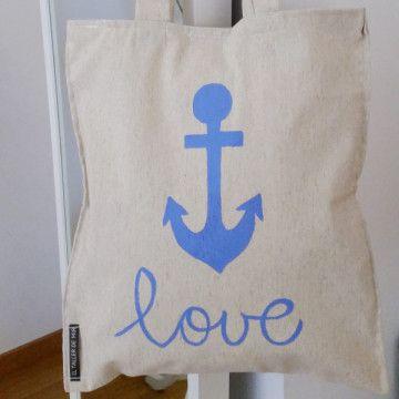 """Tote bag de loneta de algodón de color crudo con dibujo de ancla y la palabra """"love"""" Hecho y pintado a mano."""