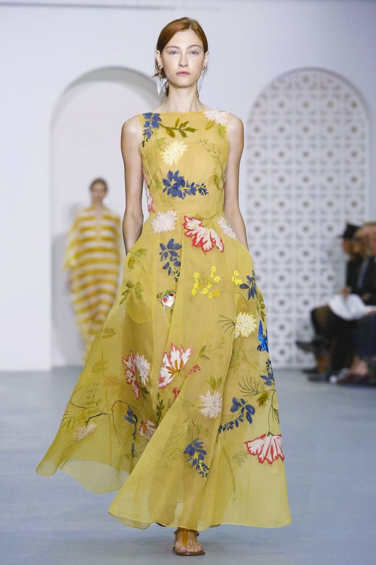 Jasper Conran Women Fashion Show Ready to Wear Collection Spring Summer 2017 in…