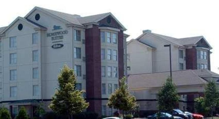 Homewood Suites by Hilton Dayton South Miamisburg Next to the Dayton Mall, this all-suite hotel in Miamisburg, Ohio is just off motorway I-75 and offers a fully equipped kitchen and free high-speed internet access in every suite.