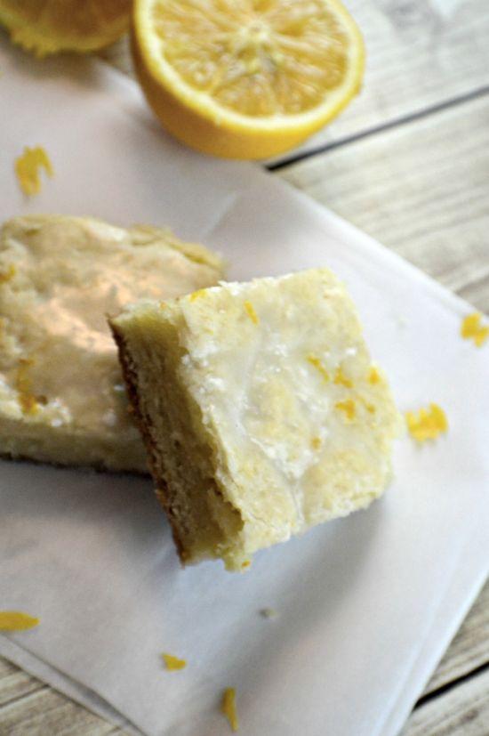 Nagyon citromos, glutén-, tej-, és tojásmentes finomság 30 perc alatt , nemcsak egyszerű, de nagyon nagyon finom!  Hozzávalók:  1/2 bögre bi...