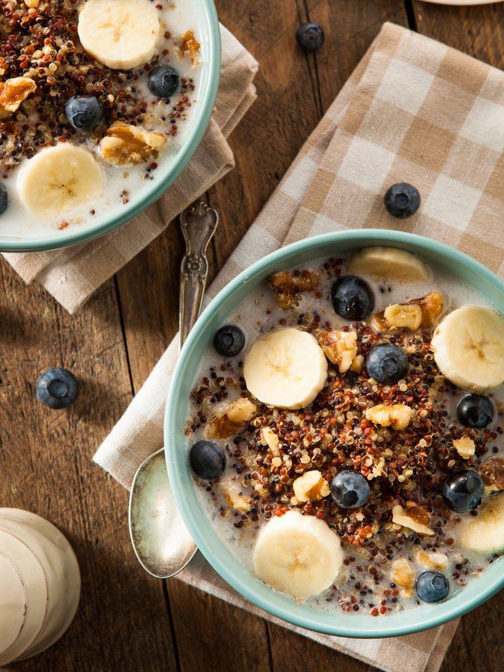 Quinoa (liefert viel pflanzliches Eiweiß und schmeckt sooo lecker als süße Frühstücksvariante) Quinoa Rezept hier!