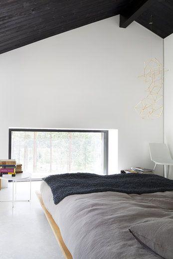 Makuuhuoneet ovat Majassa pieniä ja rauhallisia, avoimia tiloja, lisää ideoita www.lammi-kivitalot.fi
