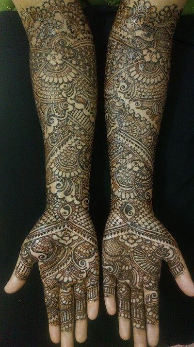 mehndi maharani finalist: Fakiha Sultana http://maharaniweddings.com/gallery/photo/26954                                                                                                                                                                                 More