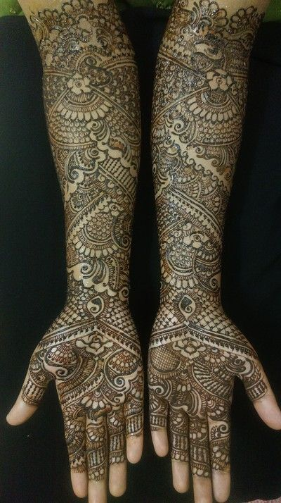 mehndi maharani finalist: Fakiha Sultana http://maharaniweddings.com/gallery/photo/26954