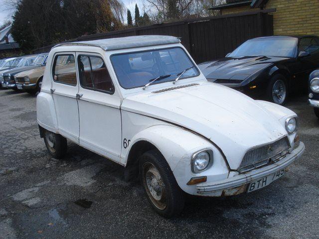 Citroën 2CV Dyane 6  originalskick Mätarställning: 15100 mil Färg: vit Karosseri: Sedan Info: Veteran, Årsmodell 1968, Bra bruksskick, 2 cylindrig luftkyld motor, 4 växlad, Soltak, Fungerar mkt.bra, Besiktigad till september 2016, 27000kr