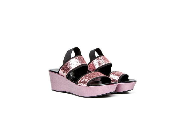 SAURA wedges with elastic bands in pink glitter  SAURA zeppe rosa con bande elastiche slingback e tomaia rosa glitter