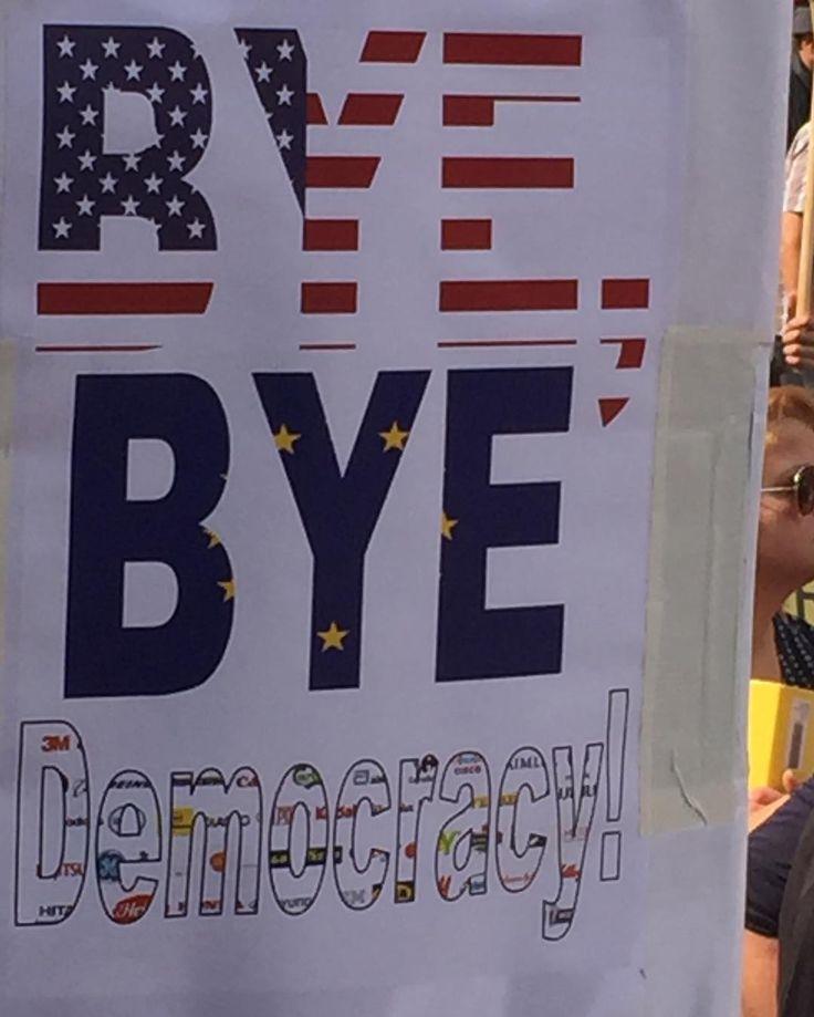TTIP und CETA sind Ausgeburten neoliberalen Lobbytums. Konzerntochter dürfen nicht über Bürgerrechte gestellt werden. Demo gegen CETA und TTIP in Köln! Stoppt Den Demokratieabbau! #ttip #ceta #stoppttip #stopttip #stopceta #köln #demo #stopcetattip