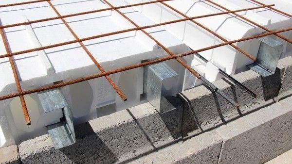 Con bloques de EPS y perfiles de chapa galvanizada se pueden cubrir luces de hasta nueve metros con una sola pieza. Detalles y precios.