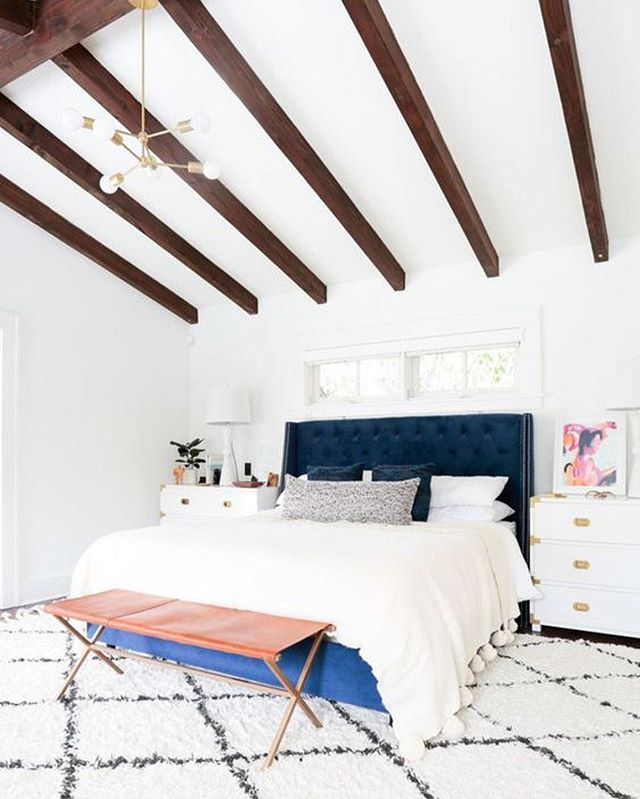 We're going to let you in on a little secret: We're crushing on @homepolish's Insta feed. Our reasoning? Rooms like . Whose Instagram feed do you love? Tag them in the caption below. | photo: @tessaneustadt; regram from Homepolish