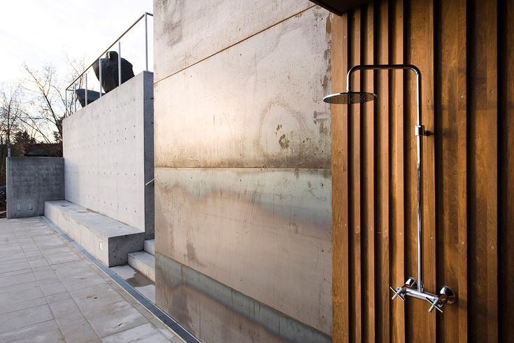 outside shower - kebony/concrete/stainless steel