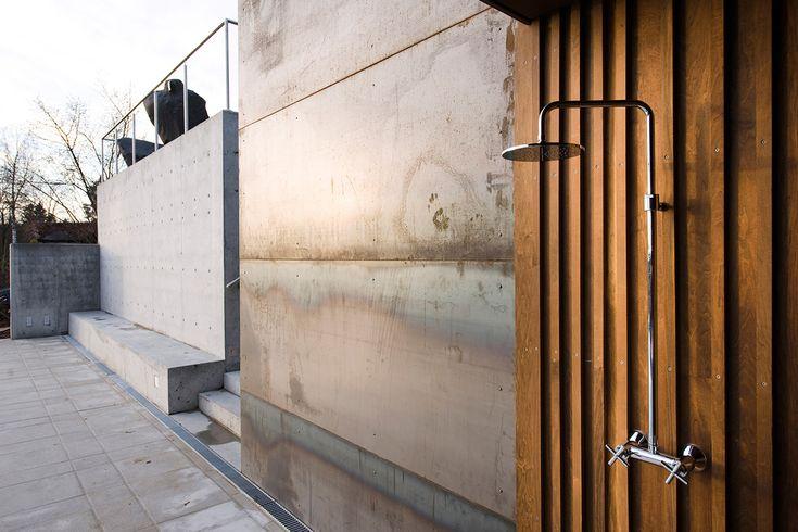 outside shower - kebony/concrete/stainless steel