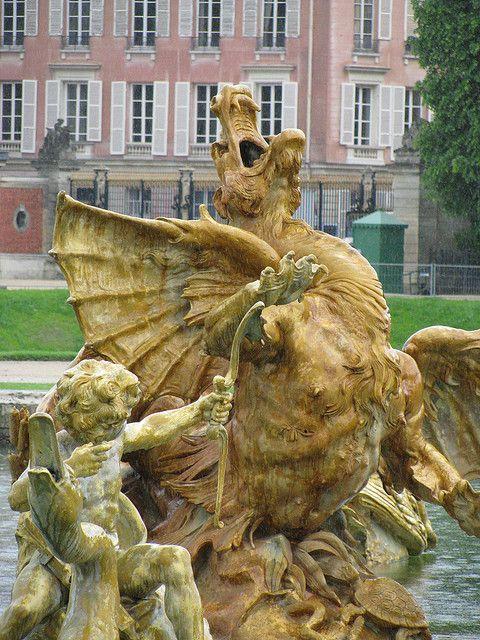 le château de Versailles fountain, France. 25 Fab Fountains in Europe: http://www.europealacarte.co.uk/blog/2013/06/24/fountains-in-europe/
