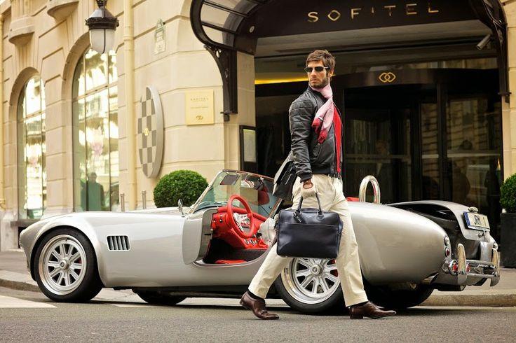 Nastały takie czas, że bez latopa, ani rusz. Nastały również takie czasy, że elegancki mężczyzna może wybrać sobie ciekawszą opcję torby, niż te dodawne gratis do zakupu komputera. My polecamy bardzo elegancką, zrobioną z najmodniejszej skóry Saffiano, torbę Jack Russell! Idealna do pracy, i na spotkania biznesowe! Do kupienia na www.le-premier.pl #lepremier #pomysłnaprezent