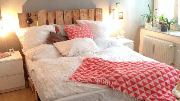 oltre 1000 idee su selbstgebautes bett su pinterest dielenboden bett selber bauen e letti di. Black Bedroom Furniture Sets. Home Design Ideas