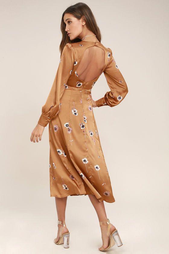 ASTR the Label Jewel Light Brown Floral Print Midi Dress