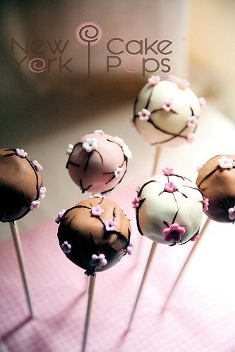 cake pops with flowers