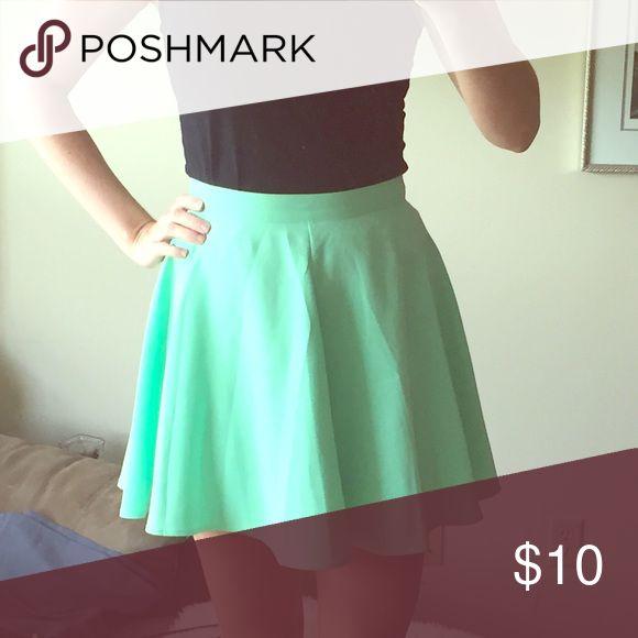 Mint green skirt Mint green skirt size medium. Slightly high waisted. Super cute flow to it! Forever 21 Skirts Mini