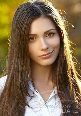 AnastasiaDate Recommends Webcam Dating this Summer to Make Direct Connections with Singles Online