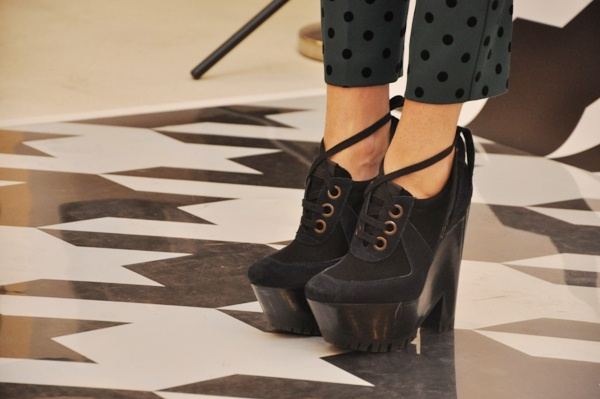Burberry: Fashion, Burberry Shoes, Shoes Boots, Zapatos Burberry, Burberry Prorsum, Prorsum Shoes, Shoes Wisely, Shoes Galore, Burberry Booties