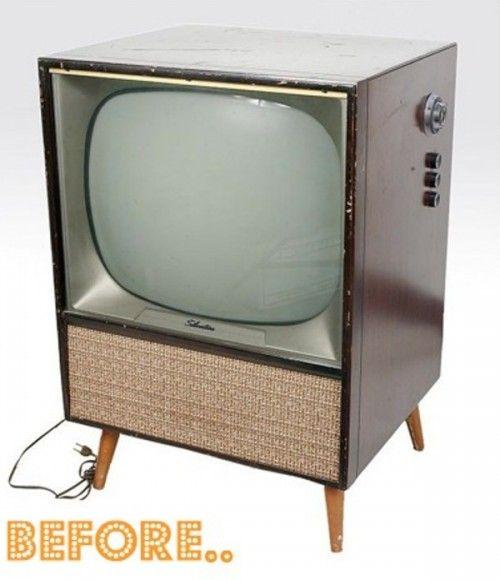 DIY Vintage TV Set Bar | Shelterness