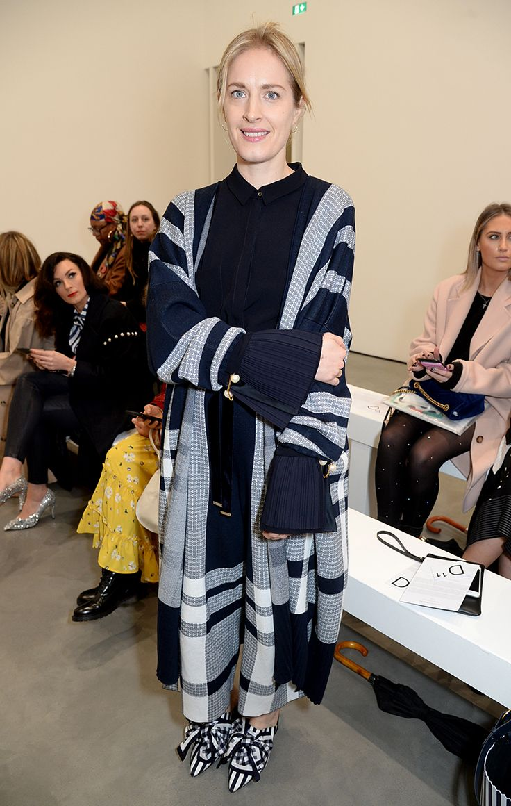 ARTIST POLLY MORGAN attends our LFW show. She wears the cotton Etna cardigan with matching Kory trousers, Nash navy jumper and Courtney silk mules. #motherofpearl #pearlyqueen #lfw #streetstyle