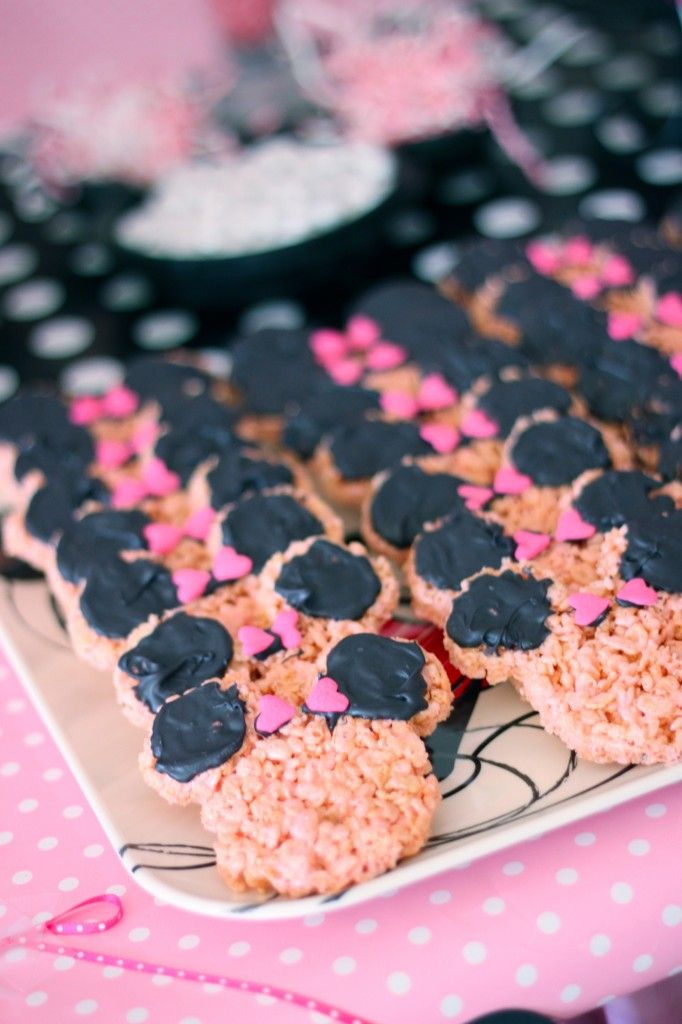 Minnie Mouse 2nd Birthday!!  Love these treats!