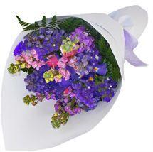 Send a pretty Purple Moon #Bouquet from http://www.flyingflowers.co.nz/purple-moon