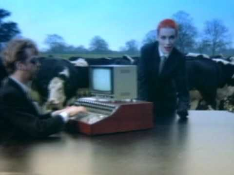 ▶ Eurythmics - Sweet Dreams (Are Made Of This)  ....Classic!!!!
