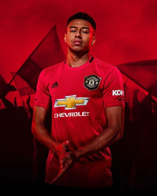 Introducing The New Manchesterunited 2019 20 Home Kit Exclusively Available Now Through Adidas Com And Official Cl Fotos De Fútbol Jugadores De Fútbol Fútbol