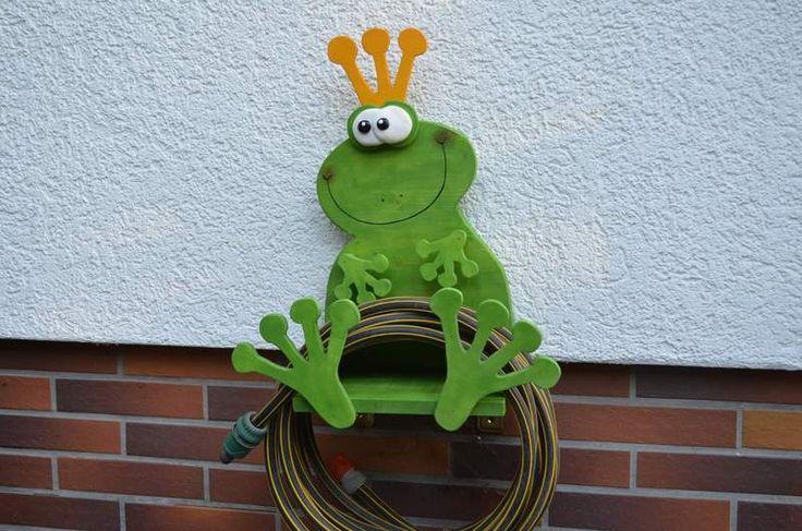 """Gartenschlauchhalter+""""Frosch""""+von+HolzTönchen+auf+DaWanda.com"""