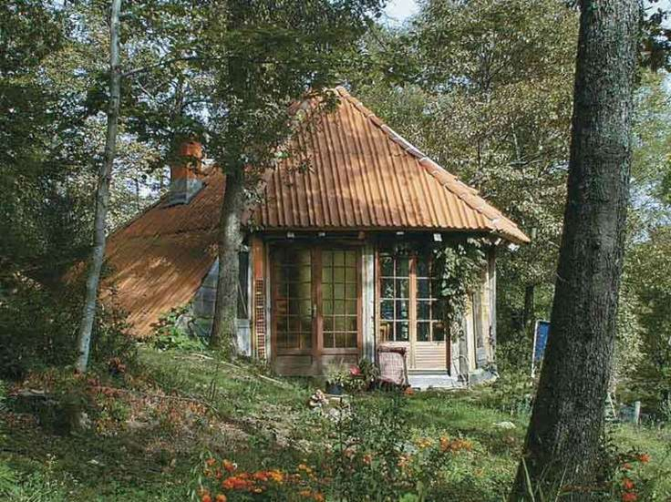 52 best images about living off the grid on pinterest for Small cabin living