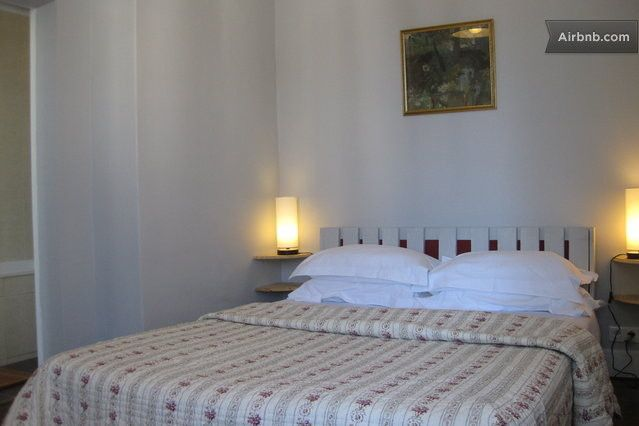bedroom( with view on the Chateau of Saumur)