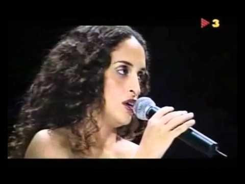 Fue caprichoso el azar, como cantan magníficamente en esta fusión Noa y Serrat  http://LatinAmericando.com/caprichoso-el-azar-cruce-de-caminos-en-el-fin-del-mundo/