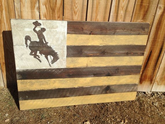 Wyoming Flag University Of Wyoming Go Pokes Wyoming Cowboys Wyoming Wood Decor Pallet Wood Home Decor Rustic