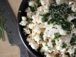 Low FODMAP Cheese and Chive Popcorn