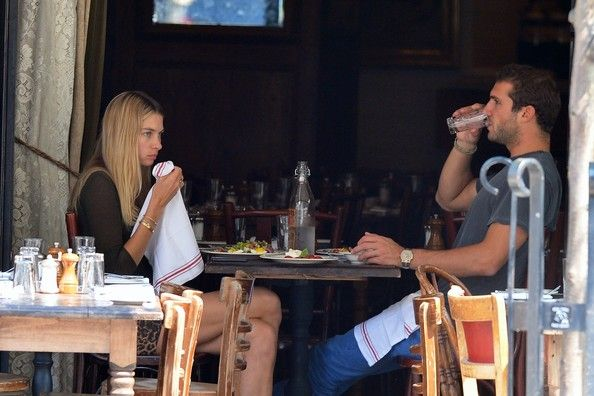 Hot Australian model Jessica Hart is seen lunching with her boyfriend Stavros Niarchos at Gemma then