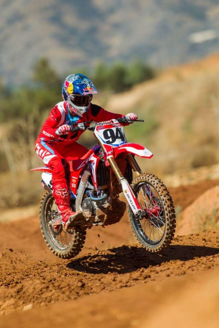 Ken Roczen 2017 riding Honda