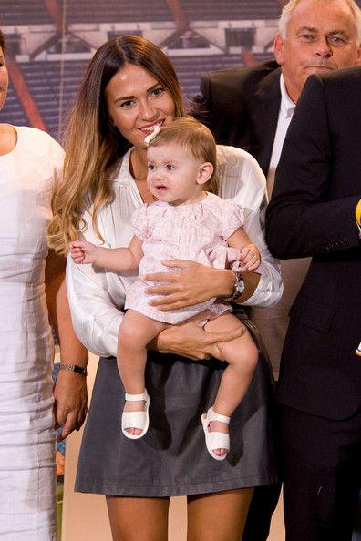 gareth bale's daughter alba violet bale | Gareth Bale (R) his girlfriend Emma Rhys Jones (2ndR) and his daughter ...