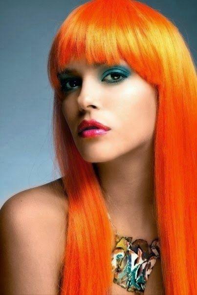 Vi proponiamo oltre 90 acconciature con capelli medio lunghi e lunghi per aiutarvi a trovare il vostro stile